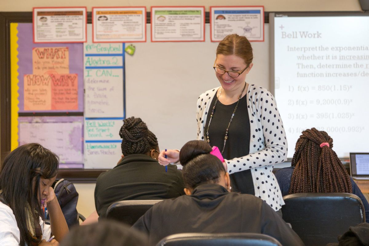 Allison Graybeal teaches her Algebra I class at Middle College High School. (Photo by Ruma Kumar/Chalkbeat)