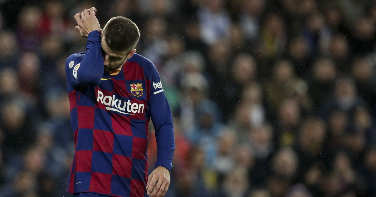 """Pique: """"The first half is one of the worst Real Madrid I've ever seen at the Bernabeu"""" thumbnail"""