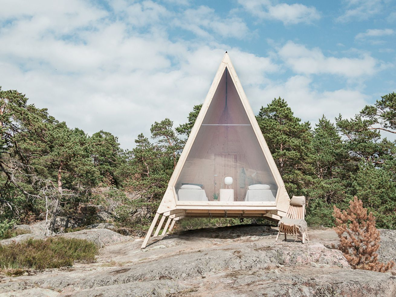 Solar-powered tiny cabin offers eco-friendly nature retreat
