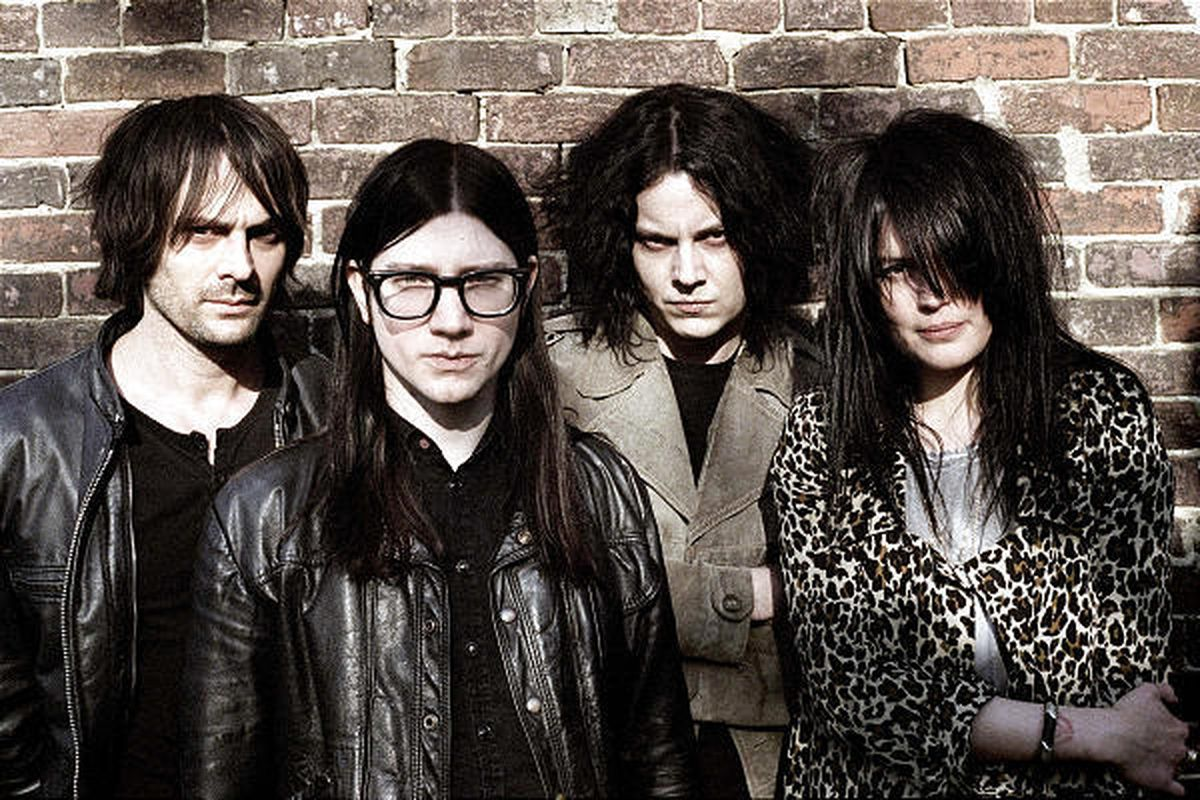 The Dead Weather consists of four musicians taking time off from other bands.
