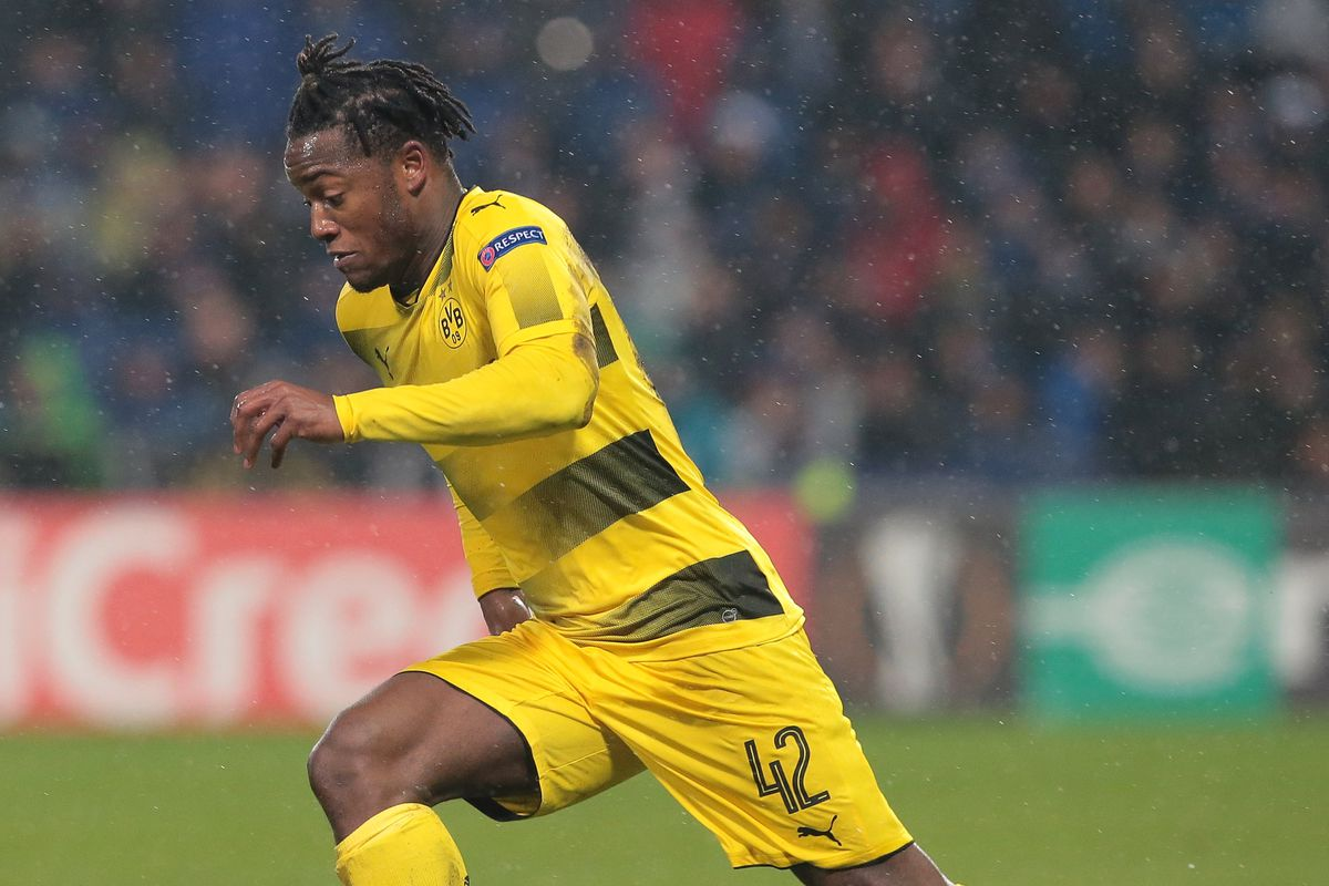Michy Batshuayi suffers suspected ankle break in derby match vs Schalke
