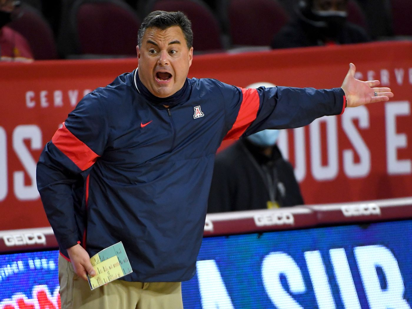 What Sean Miller Said After Arizona Wildcats Upset Usc For His 300th Win At School Arizona Desert Swarm