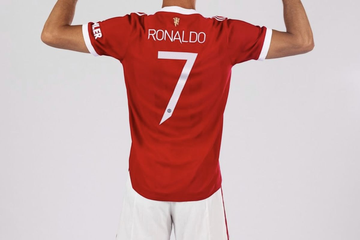 Ronaldo thanks Cavani For His Kind Gesture