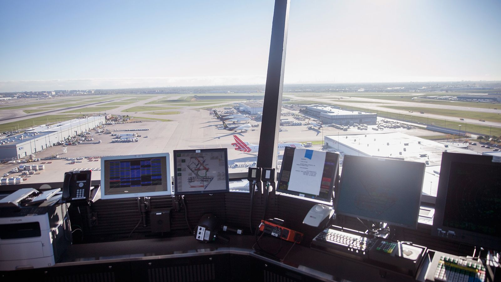 Congress wants to privatize US air traffic control, but ...
