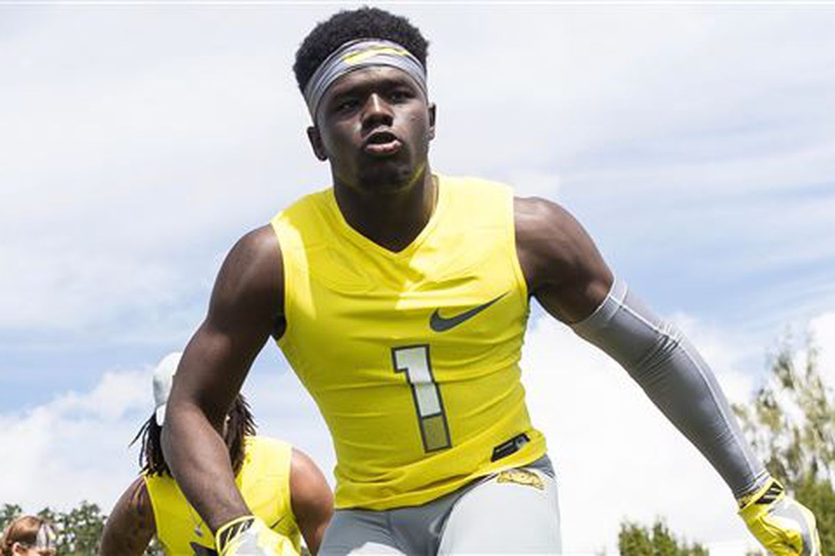 4-star CB Trajan Bandy has completed the flip of his commitment from Oklahoma to the Miami Hurricanes!!