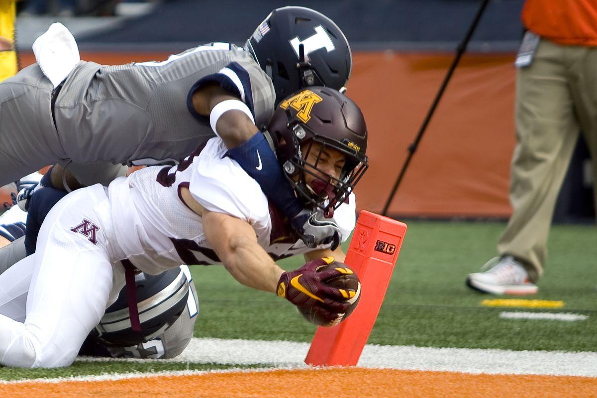 NCAA Football: Minnesota at Illinois