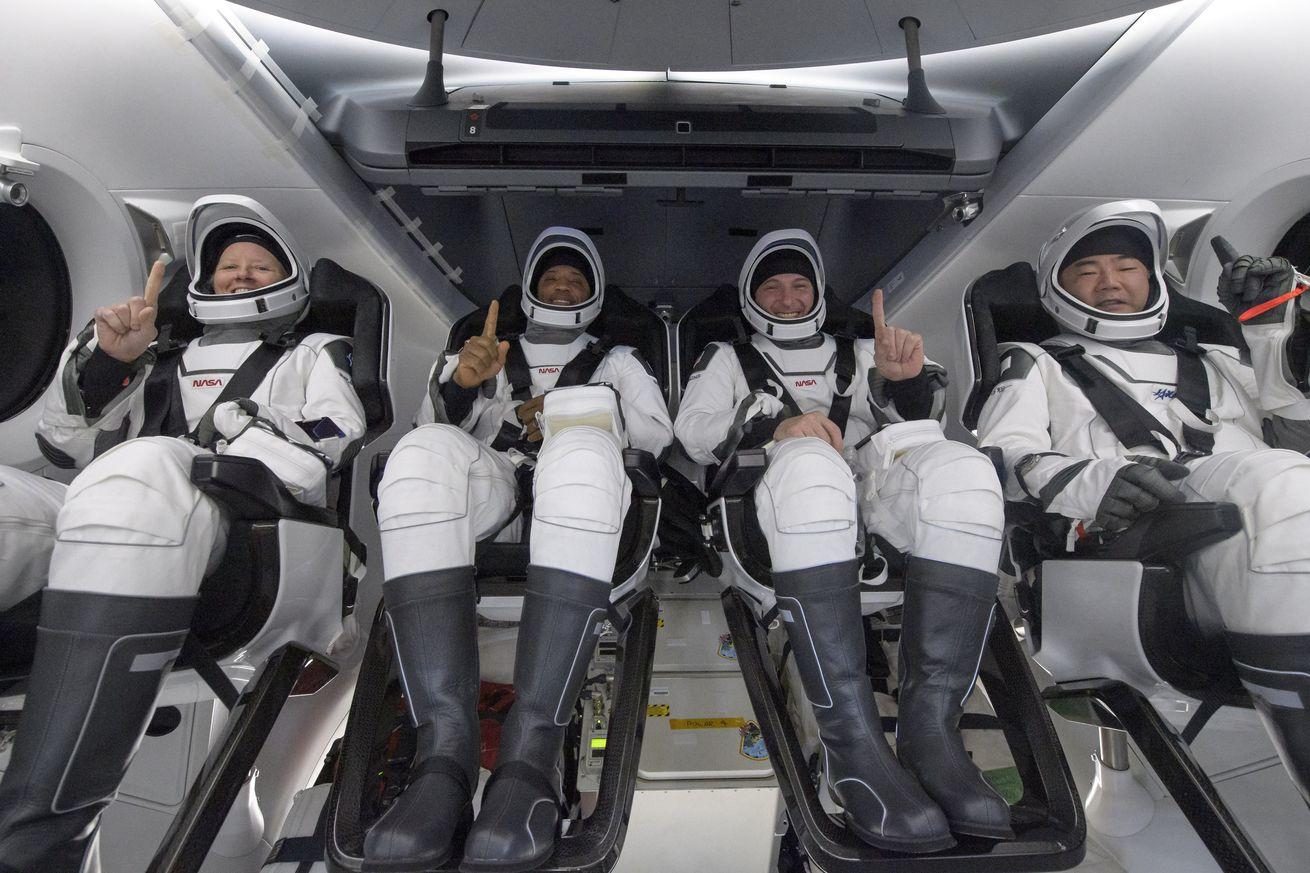 NASAs SpaceX Crew-1 Splashdown