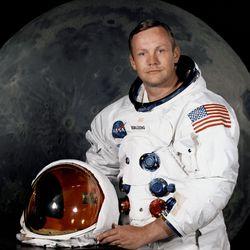 Neil Armstrong official portrait