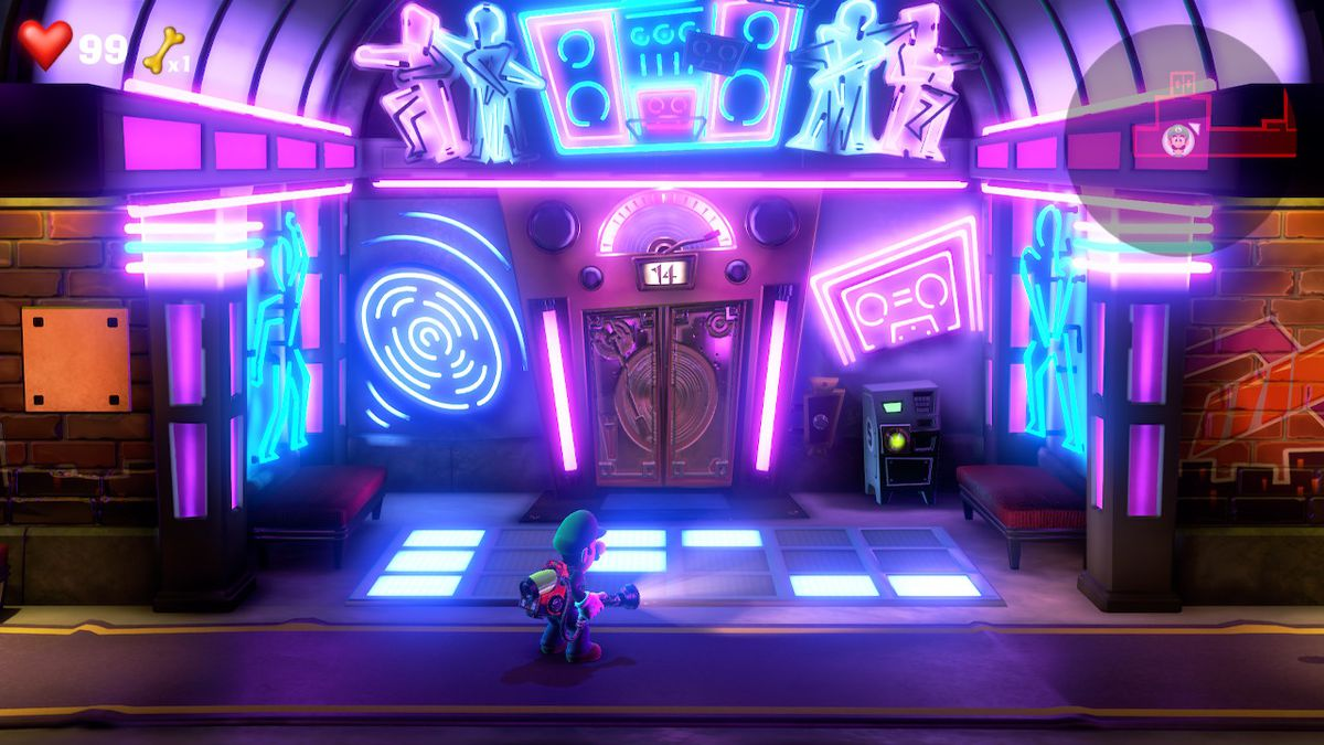 Luigi stands in front of a dance floor with lit and unlit tiles in Luigi's Mansion 3