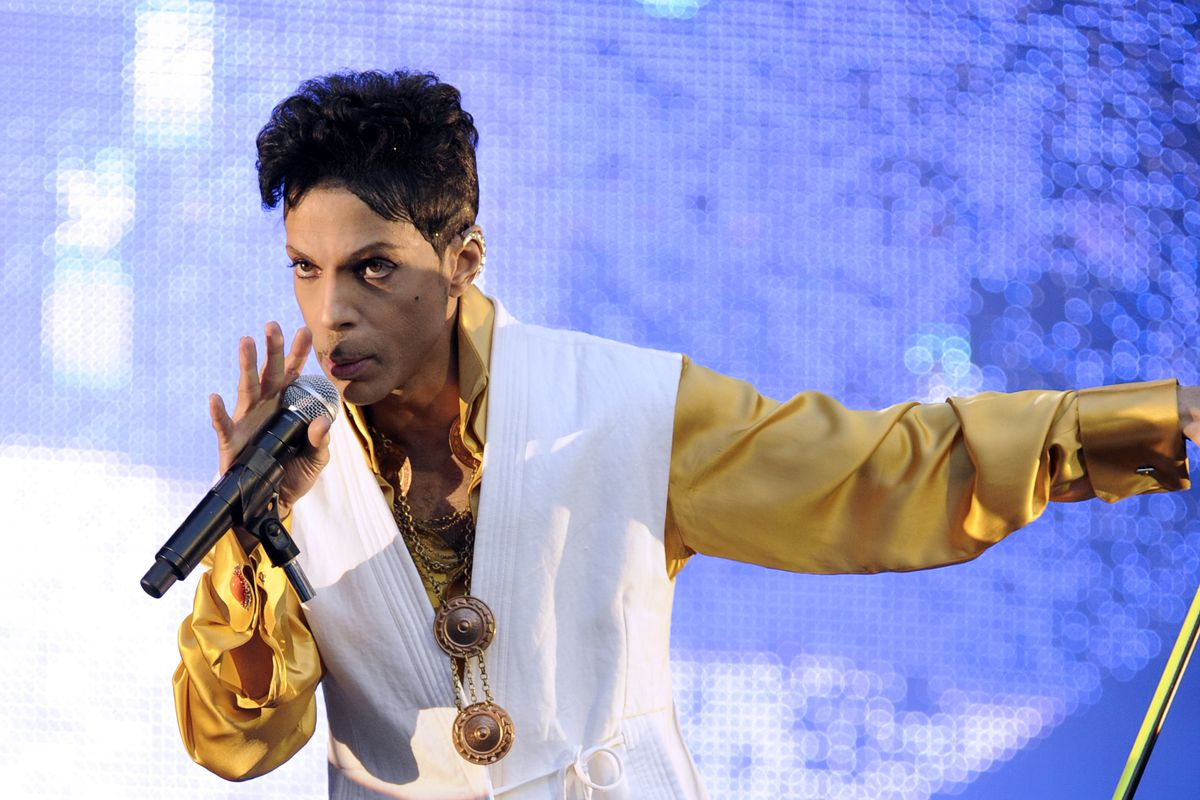 Prince's previously unheard acoustic demo of 'I Feel For You' released