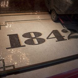 The entrance to Pub 1842.