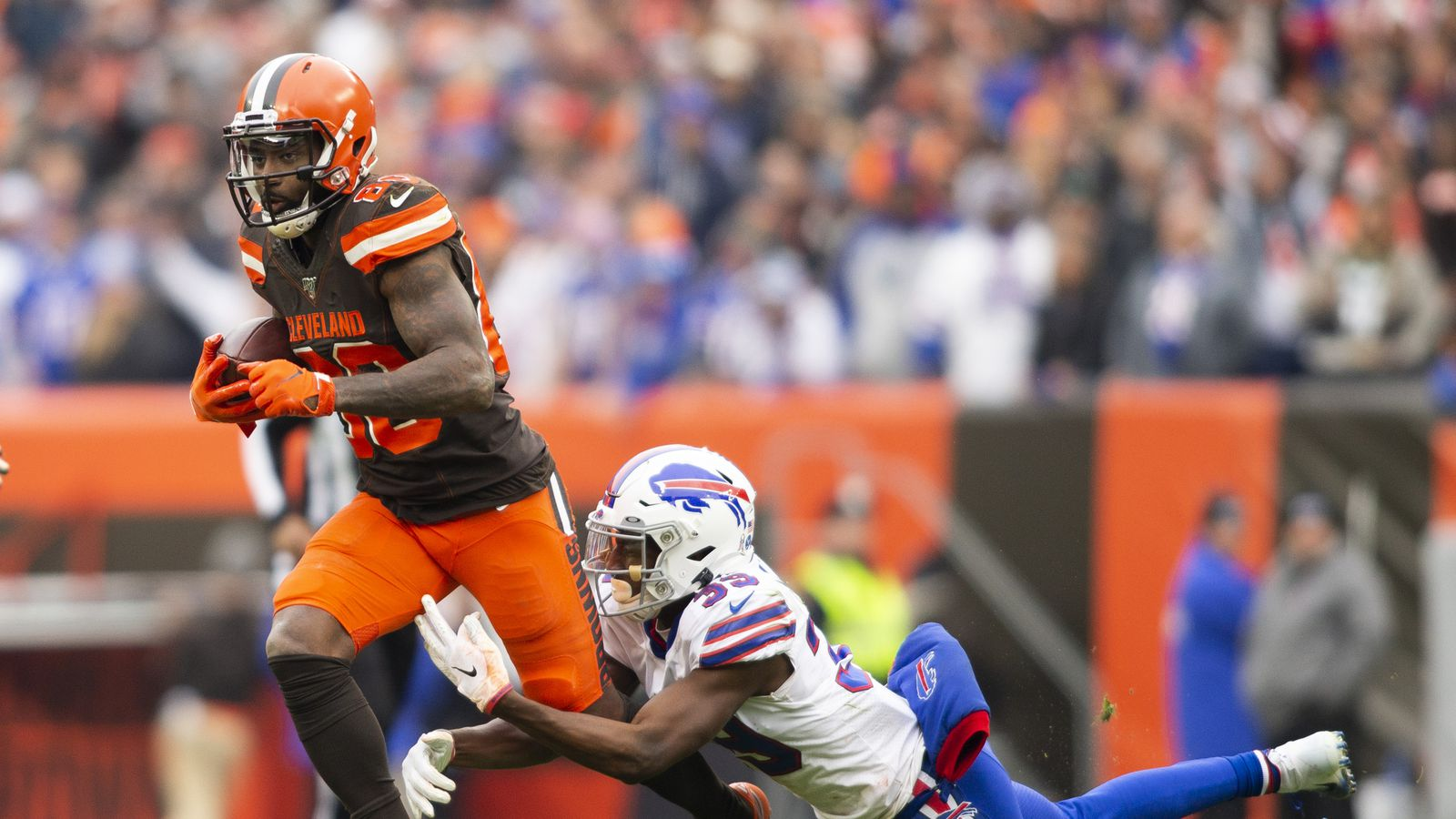 Watch: Mayfield connects with Landry to Buffalo 7