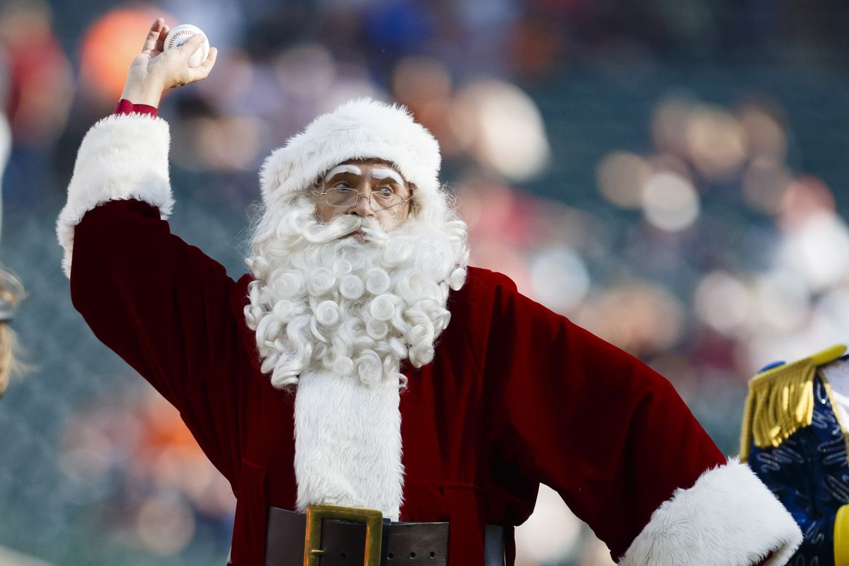 I kind of figured Santa would be a lefty.
