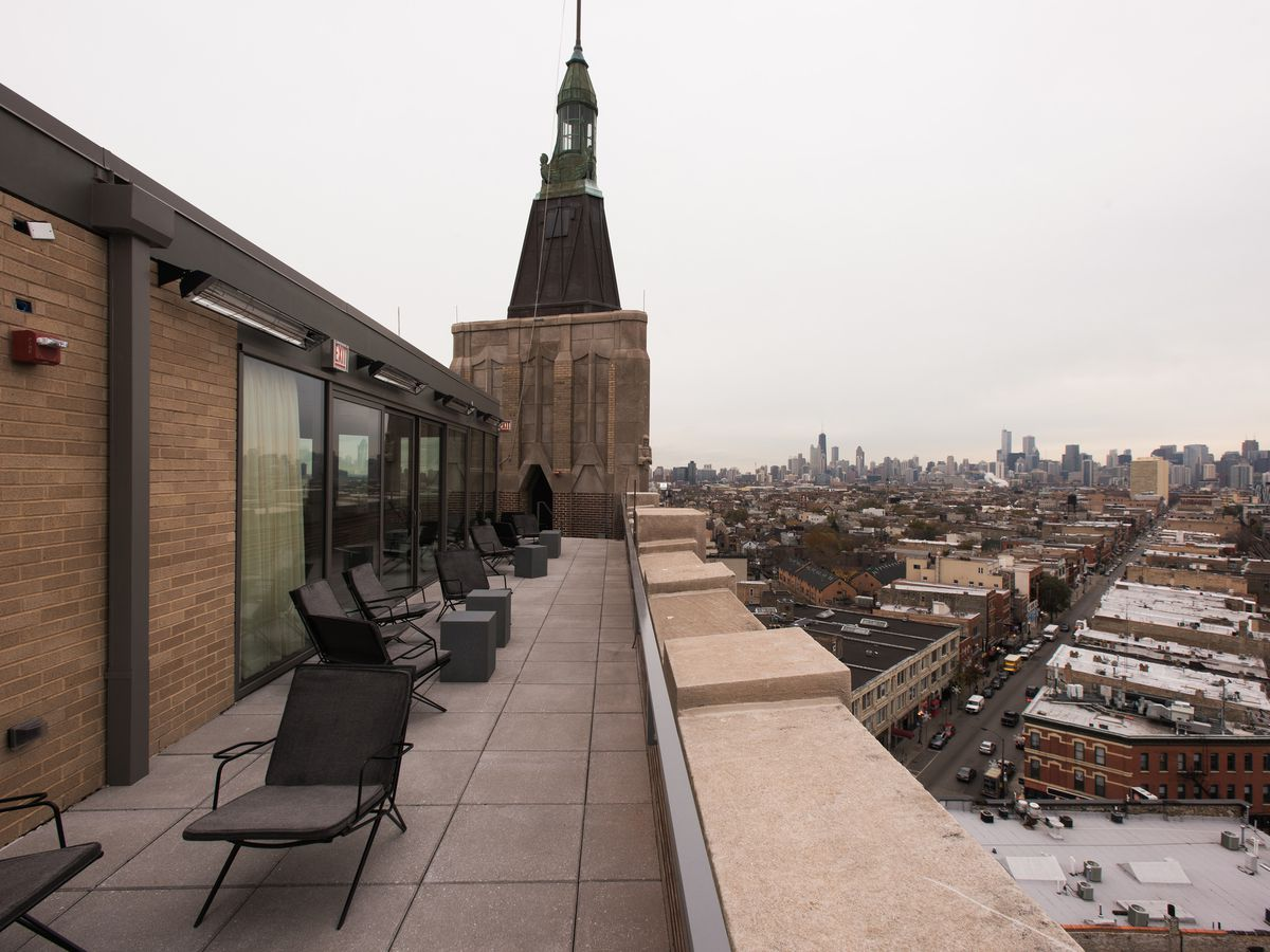 The 20 Hottest Rooftop Bars and Terraces in Chicago Right ...