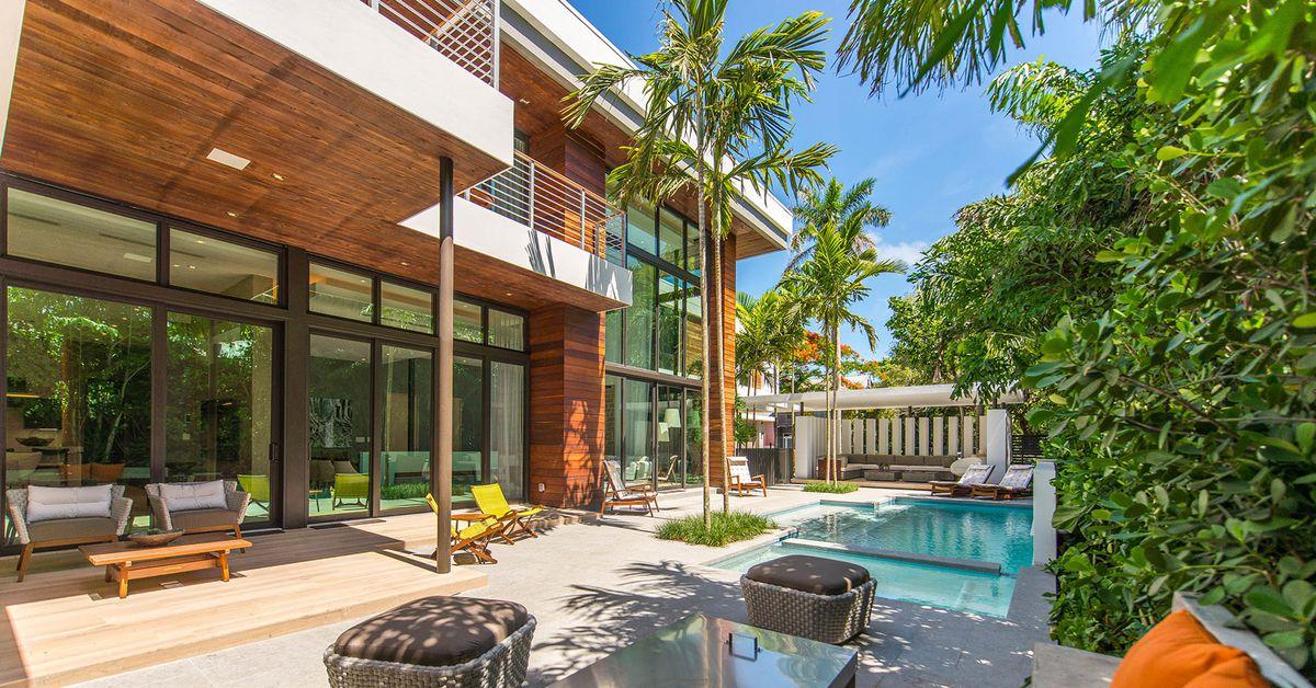 Tropical Modern Home In Coconut Grove Seeks 4 9m Curbed