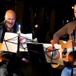 """<b>Bastianich and Colicchio</b>: <br />Sometimes chefs and restaurateurs with guitars play music together.  In this pic, <b>Joe Bastianich</b> and <b>Tom Colicchio</b> are <a href=""""http://eater.com/archives/2010/06/21/tom-colicchio-and-joe-bastianich-me-a"""