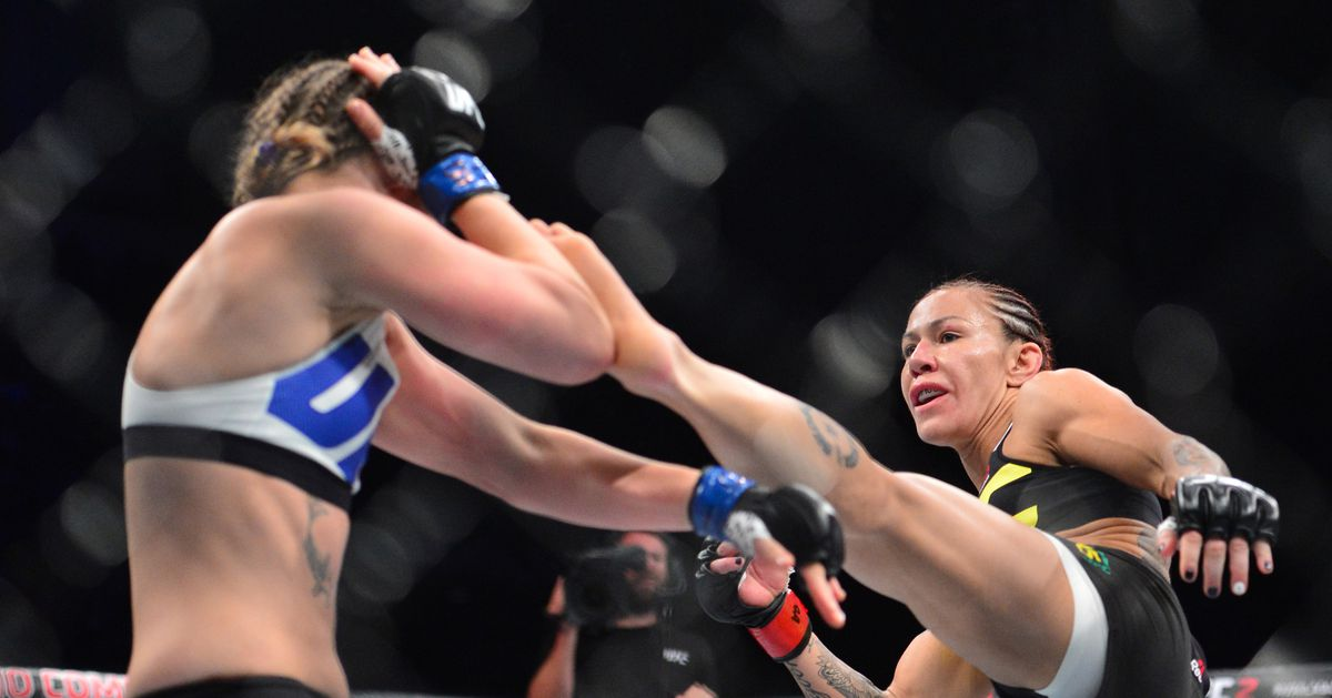 UFC 219 free full fight video: Cris Cyborg vs. Leslie Smith