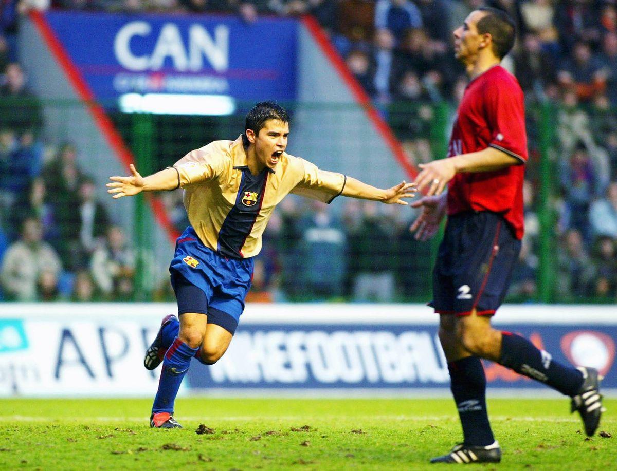 Javier Saviola of Barcelona celebrates scoring