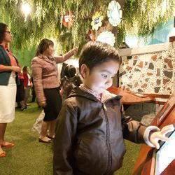 The Mexico City Temple Visitors' Center has interactive displays especially for children.