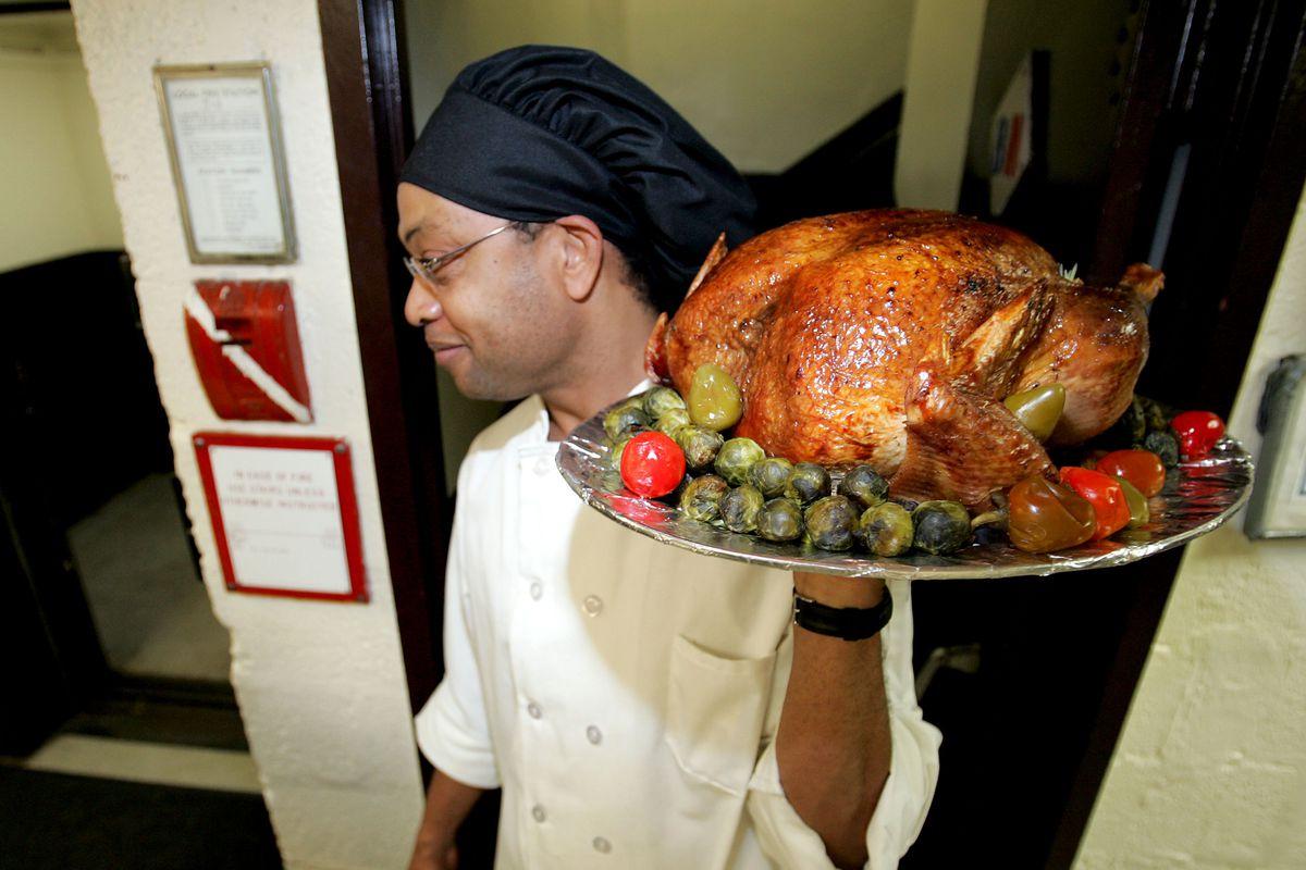 Stephen Baldwin Serves Thanksgiving Dinner