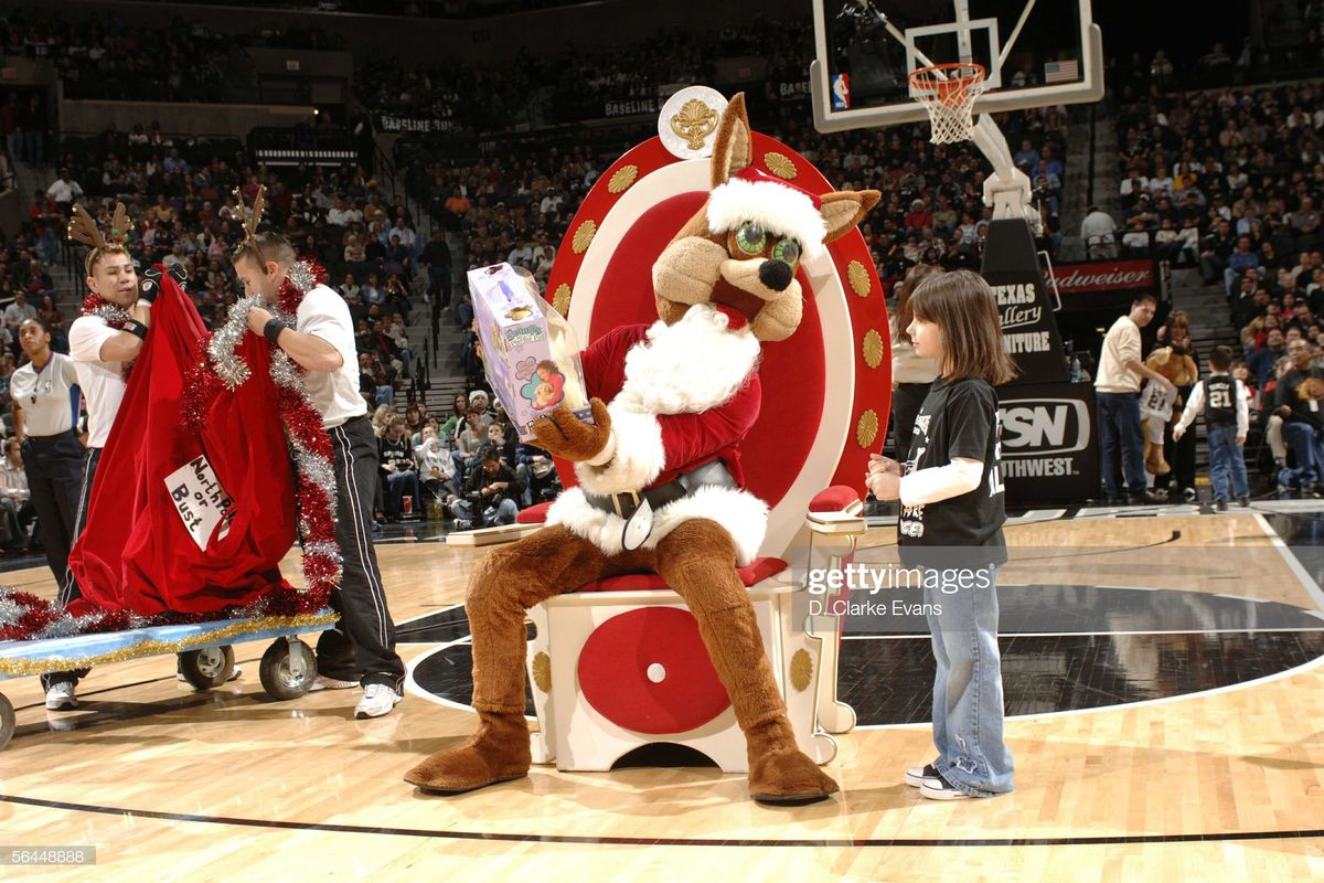 Christmas Day Stocking Stuffers for the Spurs