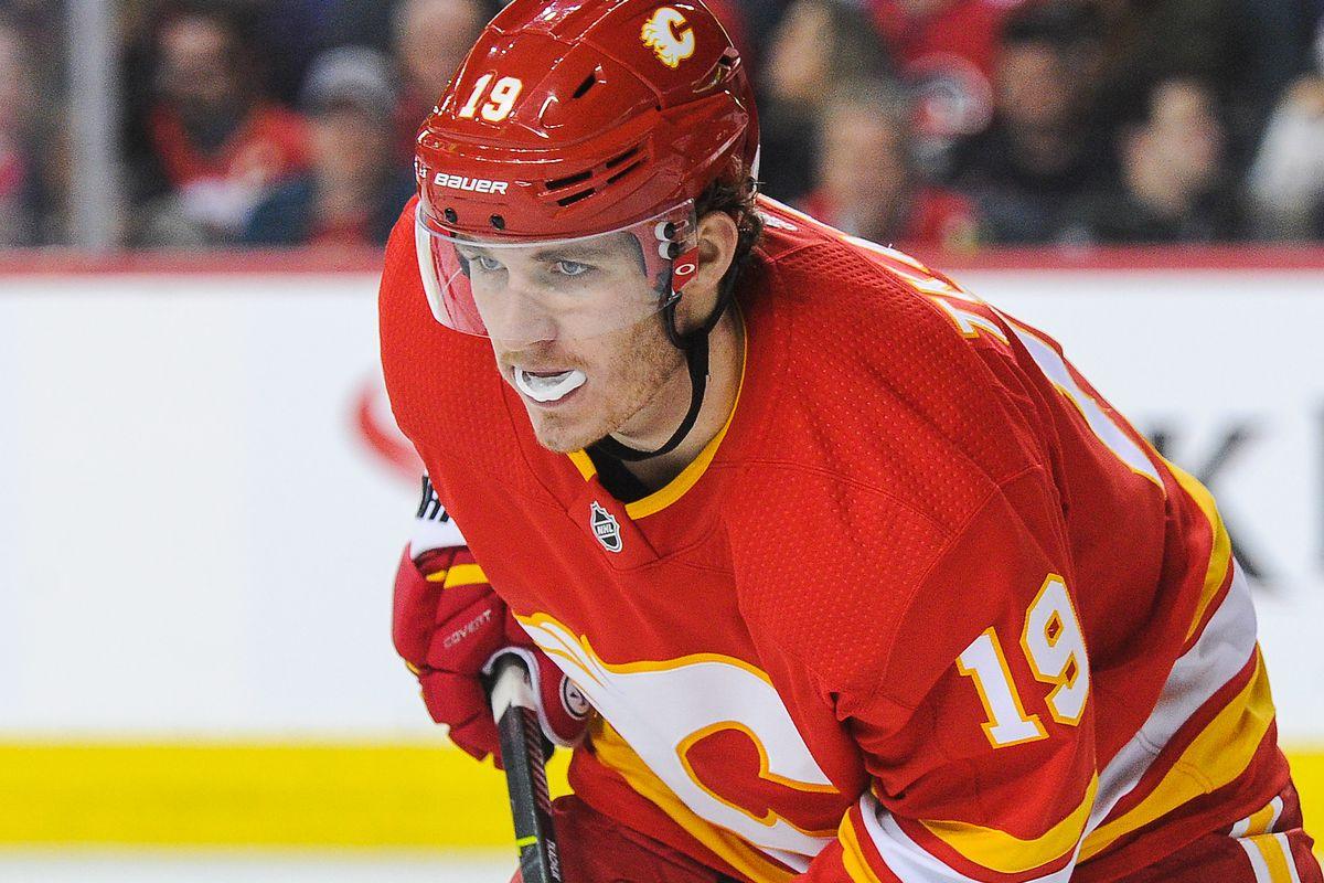 Chicago Blackhawks v Calgary Flames