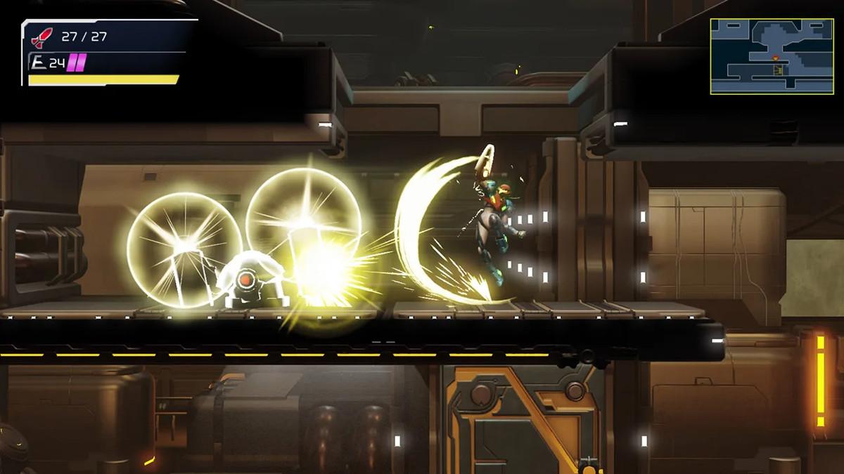 Samus uses her Melee attack in Metroid Dread