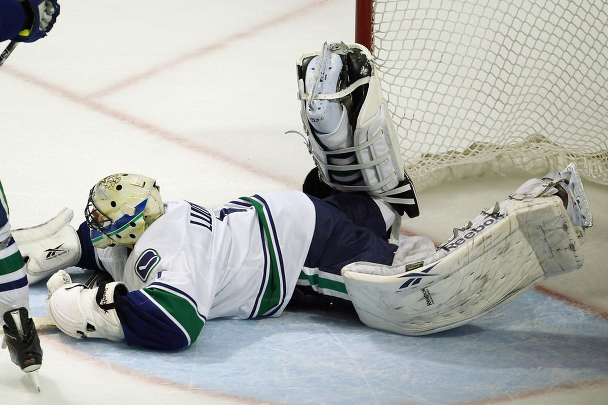 Now, Luie, this is not how you should block a rebound..... (Photo by Jonathan Daniel/Getty Images)