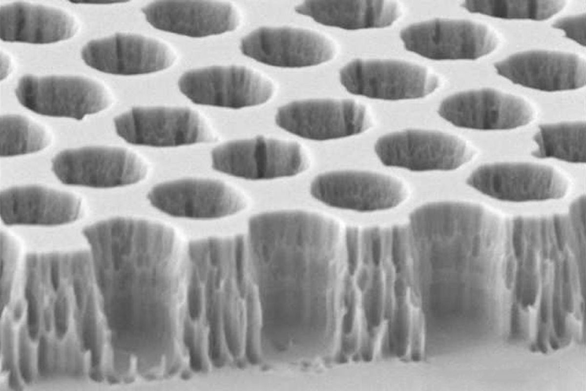 MIT photonic crystals