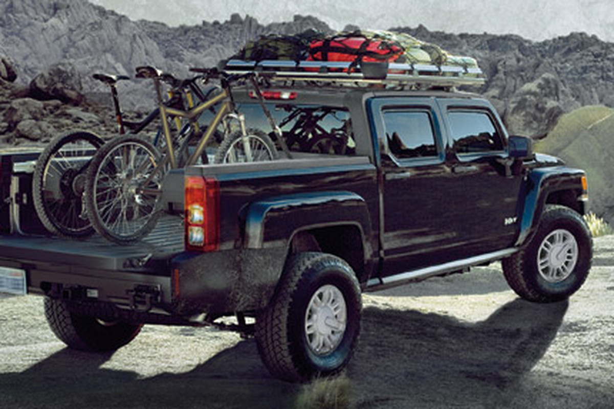 A Hummer H3T, included in a recent recall by GM.
