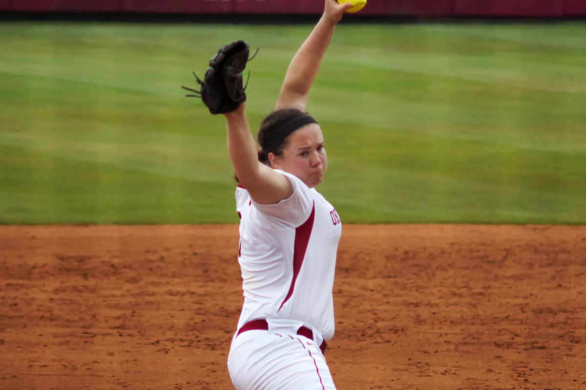 Romero homers to lead Oklahoma past Washington 3-1 in WCWS