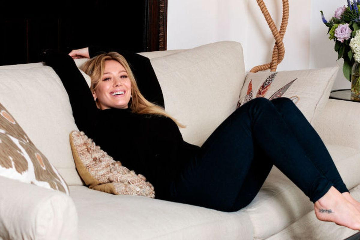 """Photo: <a href=""""http://www.elle.com/culture/news/a25461/at-home-with-hilary-duff/"""">Elle</a>"""