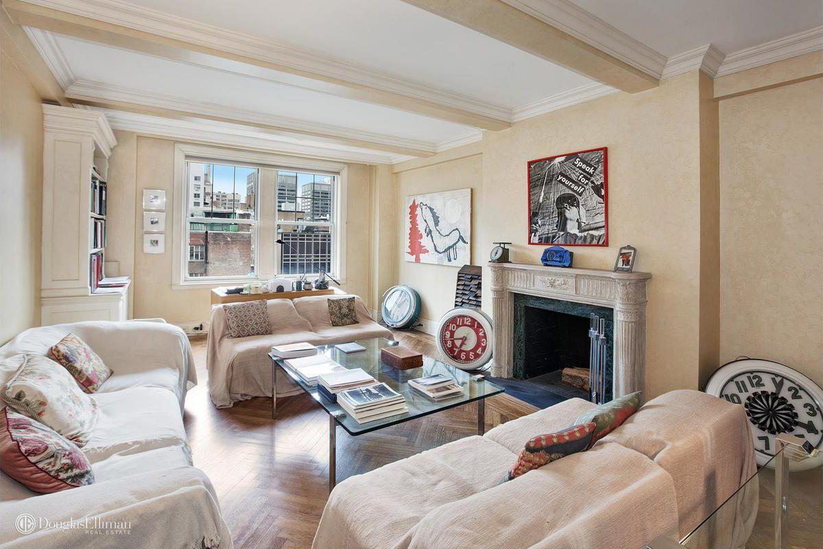 20 Something Manhattan Apartment: Classic Park Avenue Apartment Wants $595K, Room Service