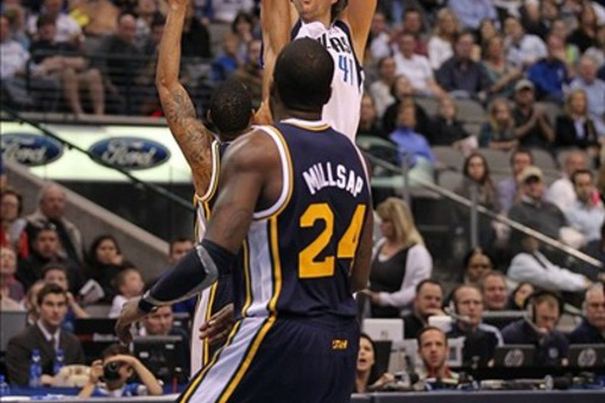 Dirk doin' what Dirk do.
