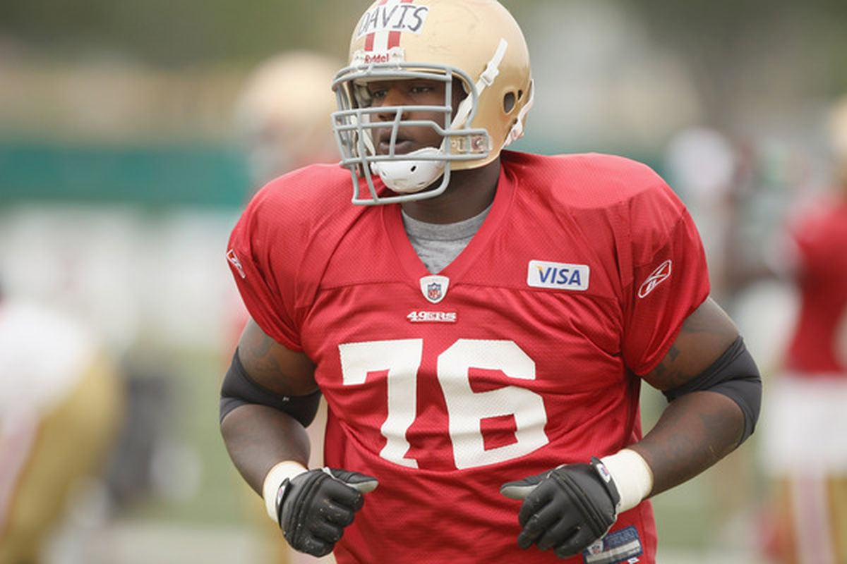 SANTA CLARA CA - AUGUST 02:  Anthony Davis #76 works out during the San Francisco 49ers training camp at their training complex on August 2 2010 in Santa Clara California.  (Photo by Ezra Shaw/Getty Images)