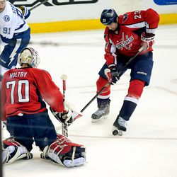 Strachan Collects Puck In Front of Holtby