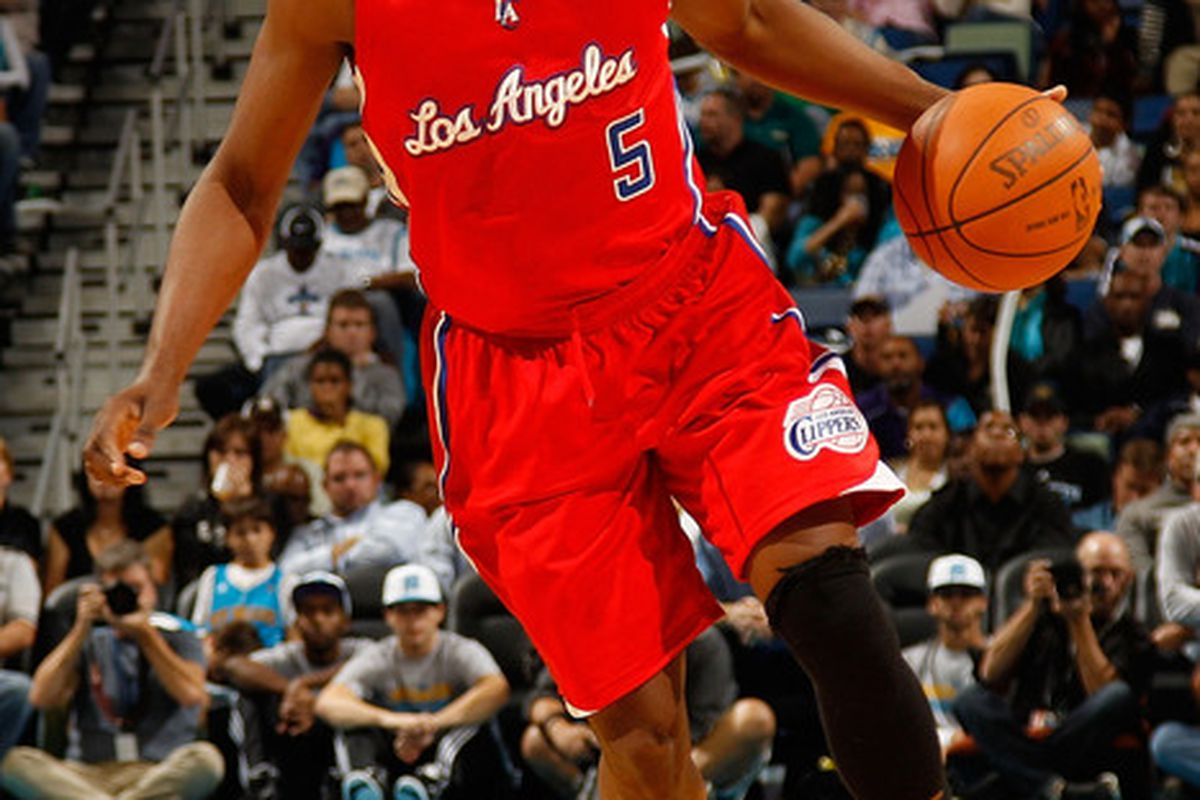 Baron Davis' injury is bad news for the Clippers.  Although he has certainly underachieved in LA, he's still an integral part of the current team.