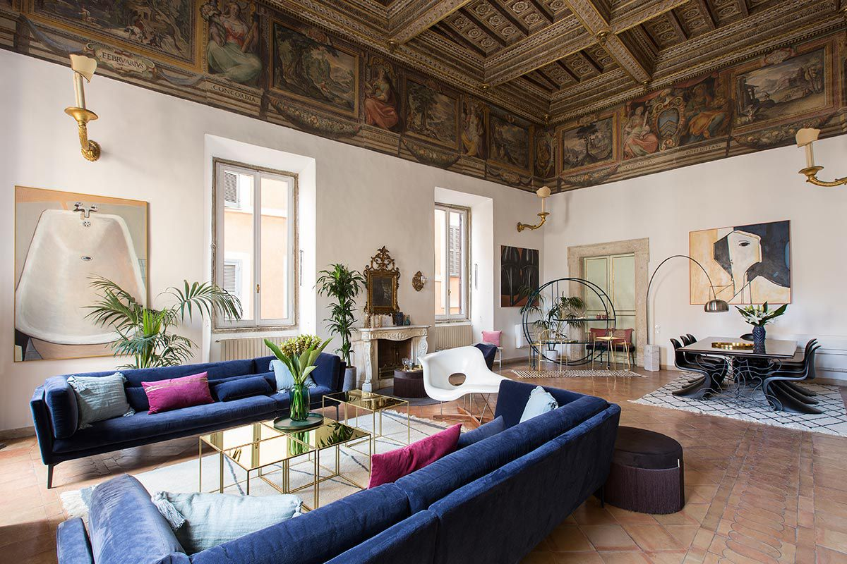 16th century roman palazzo combines frescoes and modern for Home design roma