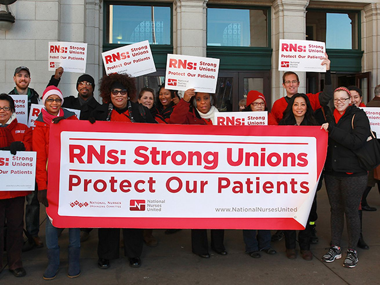 Nurses conduct informational picketing earlier this year outside the University of Chicago Medical Center.