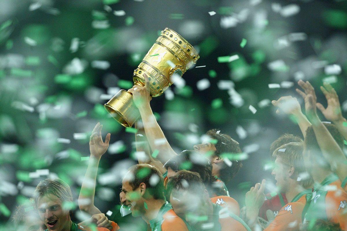 Werder Bremen v Alemania Aachen