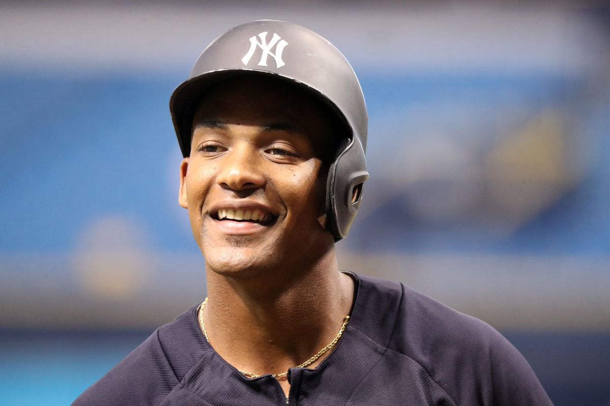 Miguel Andujar tops off a historic rookie campaign with his 47th double of the year, tying Fred Lynn's American League record.