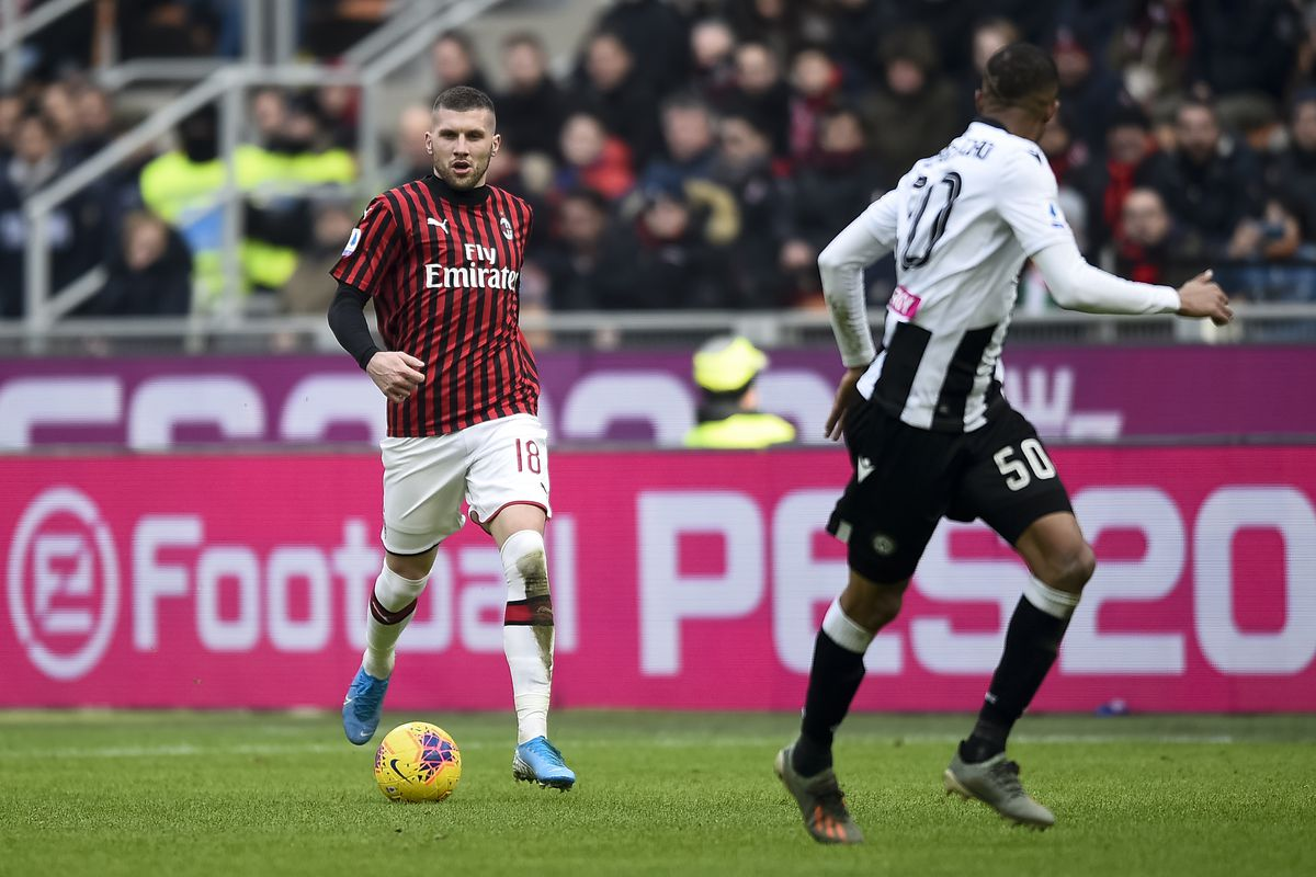 Ante Rebic (L) of AC Milan in action during the Serie A...