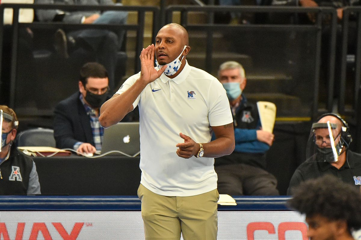 Memphis Tigers head coach Penny Hardaway during the first half against the UCF Knights at FedExForum.