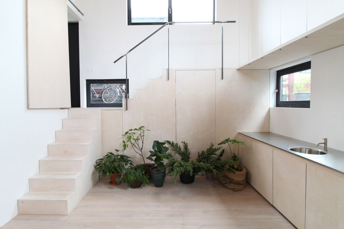Modern Houseboat Was Inspired By Traditional Japanese
