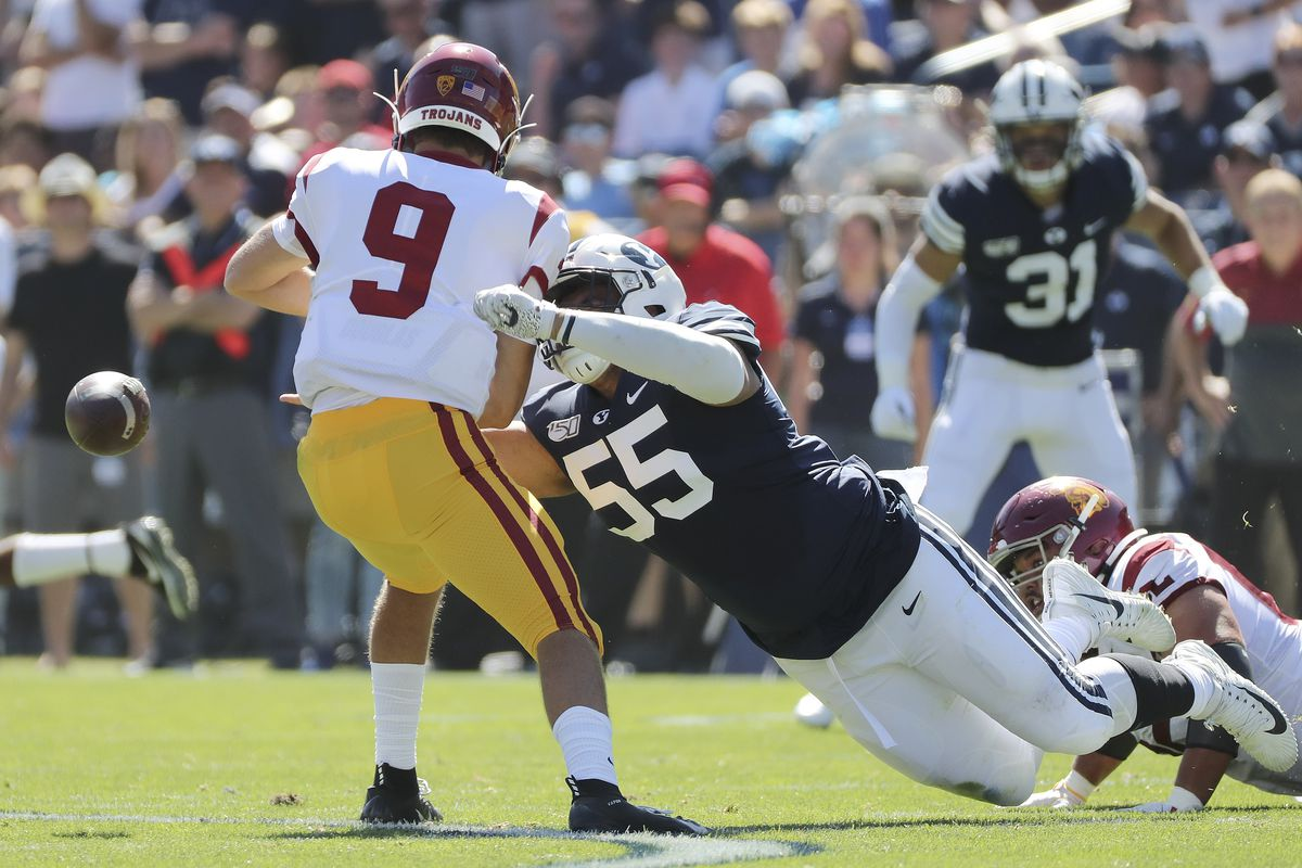 USC Trojans talented but dealing with distractions as they prepare to face 10th-ranked Utah Utes