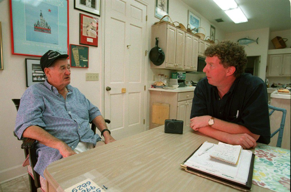 Ted Williams and Shaughnessy in Florida in 1998 (Boston Globe viaGetty)