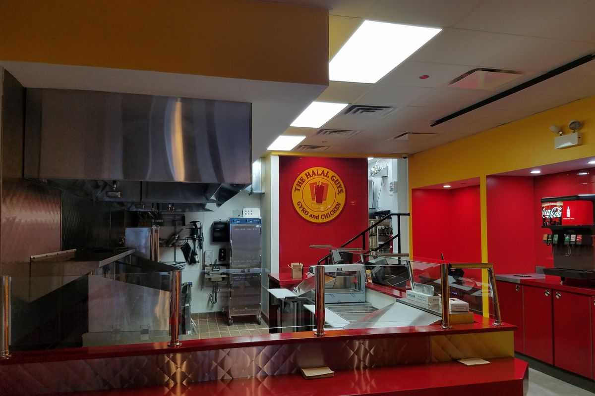 The Halal Guys will open its second Chicago location on Friday.