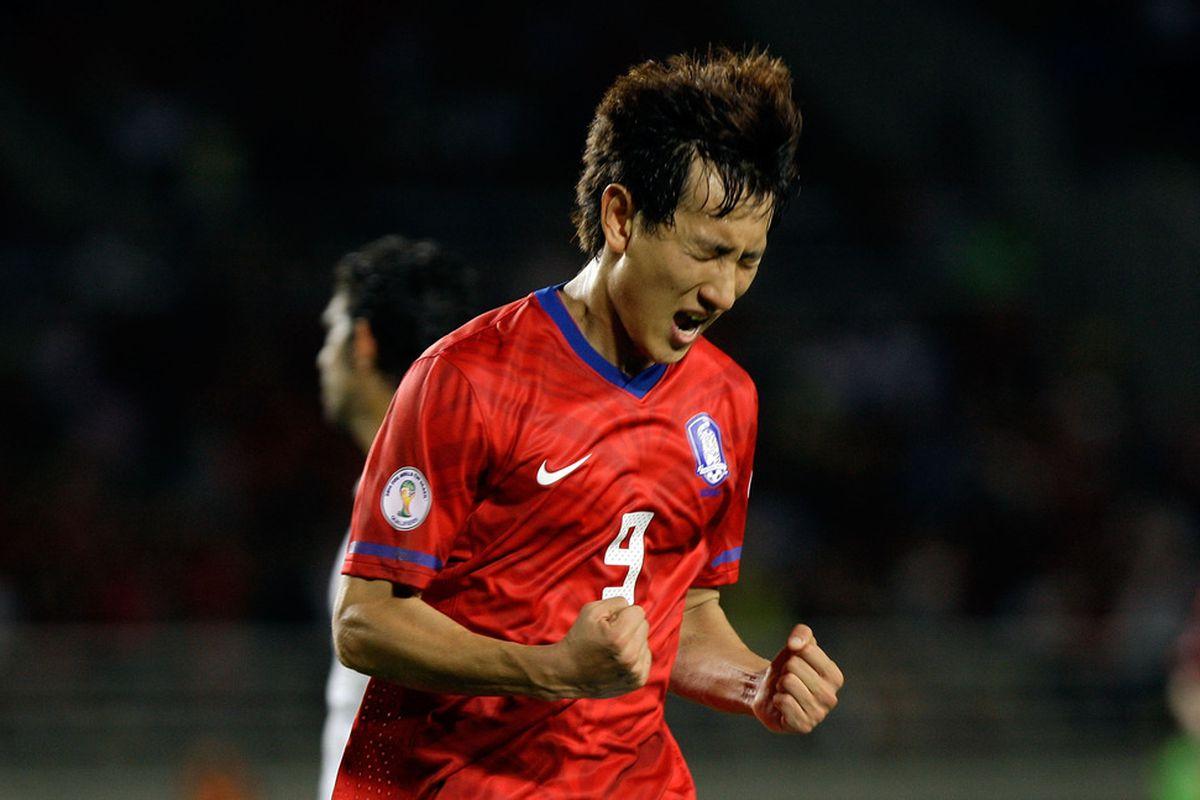 Ji Dong-Won, in happier times.