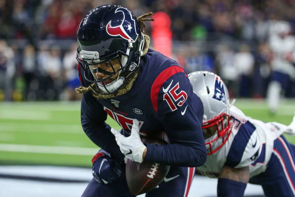 Houston Texans wide receiver Will Fuller attempts to make a reception during the third quarter against the New England Patriots at NRG Stadium.
