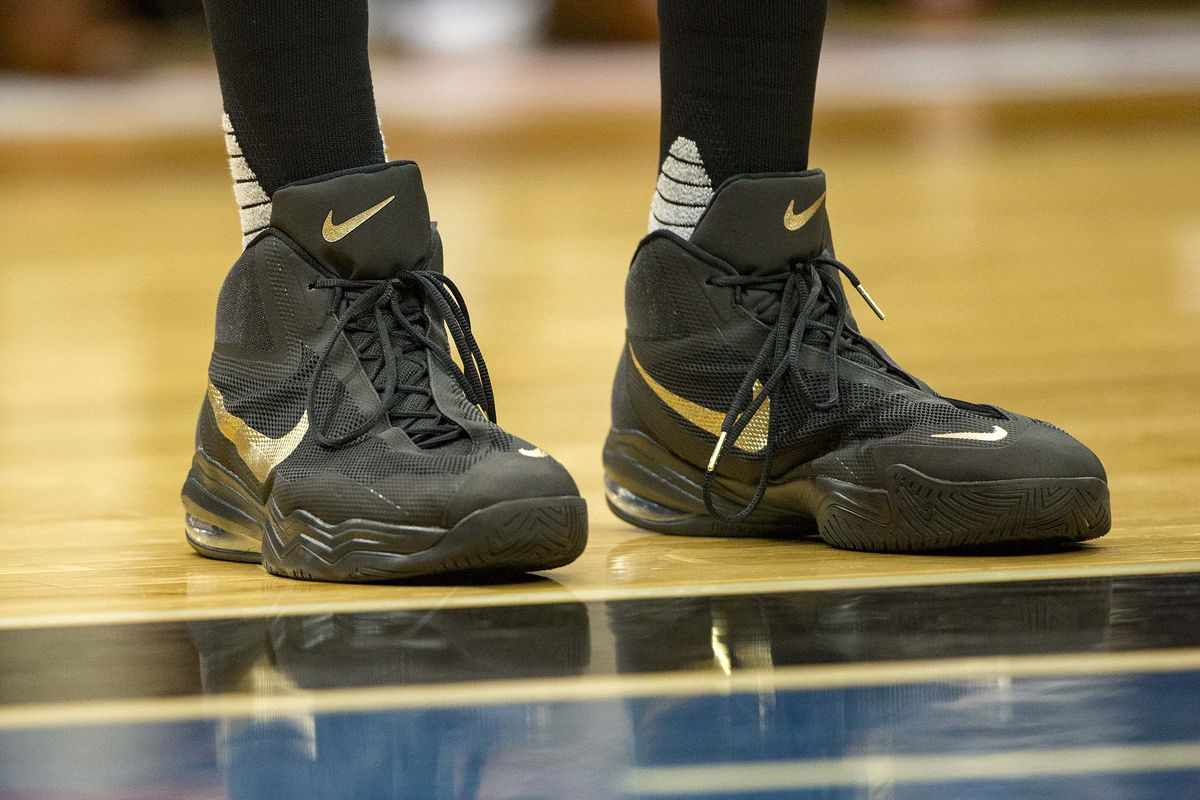 These aren't actually Kobe's feet. Their Karl-Anthony Towns', but I liked the picture.